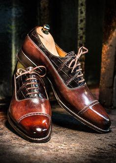 Balmoral Oxford shoe, box and alligator...#menshoes #mensfashion #mensfashionreview #mensfashionpost #altanshoes #altanbottier #shoehorn #patina #oxfordsshoes #mensaccessories #Paris #France #Parisfashion