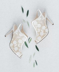 I love love love elegant wedding shoes! I'm so into these gorgeous Nina Shoes, aren't they perfect? By Jessica Jongman Photography - www.jessicajongman.com Chic Wedding, Elegant Wedding, Wedding Bride, Wedding Shoes, Wedding Details, Nina Shoes, Romantic Weddings, Jimmy Choo, My Love