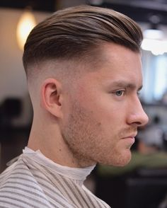 Best Men's Haircuts + Hairstyles For A Receding Hairline side-part-pompadour-hairstyle-fine-hair-haircut Cool Mens Haircuts, Haircuts For Fine Hair, Hairstyles Haircuts, Medium Hairstyles, Fresh Haircuts, French Hairstyles, 2018 Haircuts, Haircut Medium, Medium Haircuts