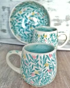Discover recipes, home ideas, style inspiration and other ideas to try. Pottery Mugs, Ceramic Pottery, Pottery Art, Thrown Pottery, Slab Pottery, Pottery Painting Designs, Paint Designs, Painted Mugs, Hand Painted Ceramics