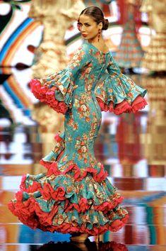 Flamenco Costume, Flamenco Dancers, Dance Costumes, Flamenco Dresses, Spanish Dress, Spanish Dancer, Pageant, African Fashion, Dame