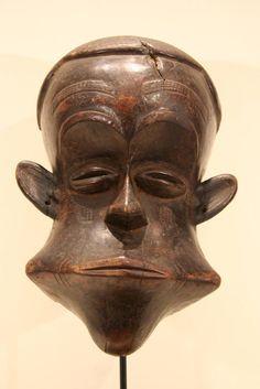 Old African tribal mask / reminds me of Stan Laurel  (Laurel & Hardy)