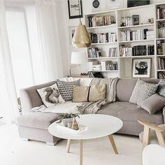Przytulny, jasny salon @mag_saw ☀️ #homedeco #homebook #homeinspo #homedecor #homeideas #homestyling #homestyle #design #cozyhome #inspire_me_home_decor #interior444 #interior123 #interiordecor #interior4you #interiorinspo #whitehouse #whiteinterior #scandinavian #scandinavianhome #scandinaviandesign #scandi #myhome #myplace #design #homedecoration #living #livingroomdecor