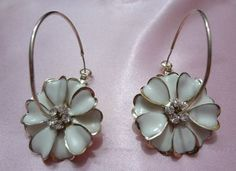 Exquisite Floral earrings..