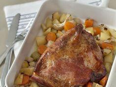 palette, pomme de terre, carotte, poireau, oignon, ail, feuille de laurier, bouillon, vin blanc, eau