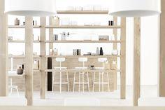 April and May| 1or2 café por Norm Arquitectos                              var ultimaFecha = '18.11.14'