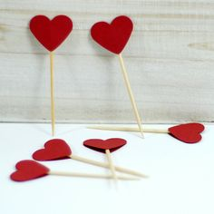 Kürdan süs, kalp Valentines Diy, Happy Valentines Day, Diy And Crafts, Arts And Crafts, Quilling, Special Day, First Birthdays, Paper Art, Origami