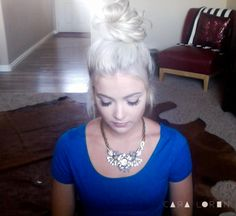 Best top knot tutorial to date. CARA LOREN: Top Knot Tutorial & BeautyCon