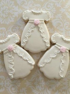 Jeanine Foster: Christening gown decorated cookies