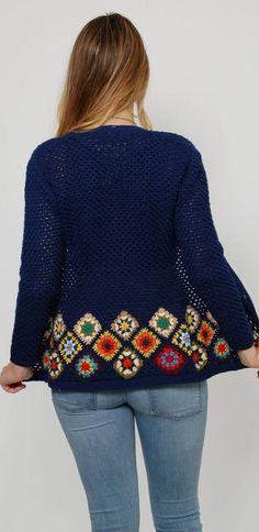 Granny Square Crochet Cardigan Pattern Ideas for Summer or Winter Part crochet - Granny Crochet Coat, Crochet Cardigan Pattern, Crochet Jacket, Crochet Clothes, Crochet Patterns, Knitting Patterns, Point Granny Au Crochet, Granny Square Sweater, Pull Crochet