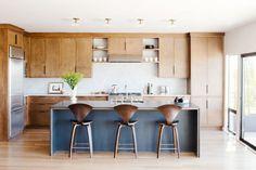 Island + layout // Mid-century modern kitchen