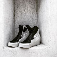 Instagram media elixir_timeless_gallery - Julius men's black/white high top sneakers from Prism SS15 Collection available exclusively on Mykonos at Elixir [timeless] Gallery  #julius #julius_7 #julius7 #tatsurohorikawa #elixirstore #elixirgallery #elixirtimelessgallery #elixirtimeless #mykonos #myconos #mikinos #cyclades #aegean #aegeansea #greece