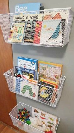 Organize kid's books