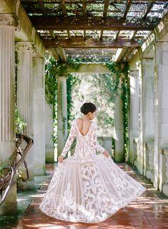 Photography: Rebecca Yale Photography   rebeccayalephotography.com Wedding Dress: Kleinfeld Bridal   kleinfeldbridal.com   View more: http://stylemepretty.com/vault/gallery/55593