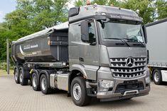 Mercedes-Benz Arocs 2645S 6x4 BlueTec 6, Classic Space, aufgesattelt eine Carnehl 2-Achs Hardox-Halfpipehinterkippmulde mit Rollplane; Wörth am Rhein, 2015-06-02