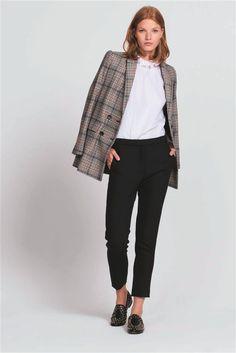 moda mujer look clasico otoño invierno 2018 sandro pantalon pinzas 175€.  Prendas de calidad a4326c671f40