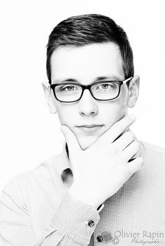 Portrait, Glasses, Fashion, Eyewear, Moda, Eyeglasses, Fashion Styles, Portrait Illustration, Fasion