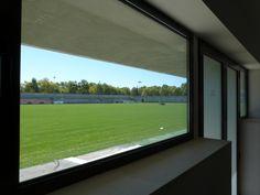 Imágenes de la ciudad deportiva del Real Betis Balompié finalizadas Buildings, Public, Windows, Cities, Architecture, Interiors, Ramen, Window