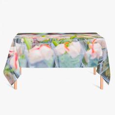 Tafelkleed Foodparty | Fleur je keuken op met dit weerbestendige tafelkleed bestaande uit geweven linnen met PVC.   #tafelkleed #keukentextiel #keuken #kleed #pvc #print #opdruk #tafel #weerbestendig #voedsel