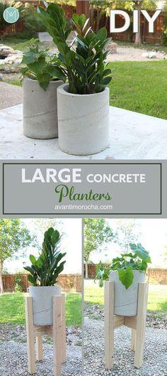 32 DIY Backyard Concrete projects that help you build your outdoor space with a b … - Diy Garden Projects Large Concrete Planters, Backyard Planters, Large Backyard Landscaping, Concrete Pots, Concrete Garden, Planter Garden, Garden Art, Cement Flower Pots, Planter Ideas