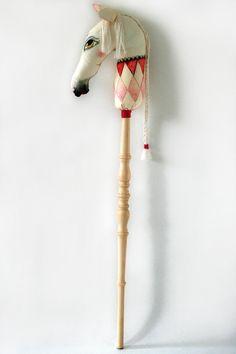 onwijs mooi stokpaard handmade stuffed poetry via kinderkamerstylist
