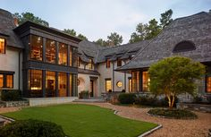 High end architecture & interior design projects nationwide. An award winning team of architects at the Alabama based Christopher Architecture & Interiors. Perspective Architecture, Architecture Résidentielle, Amazing Architecture, Modern Residential Architecture, Courtyard Entry, Casas Containers, Exterior Design, Design Interior, House Design