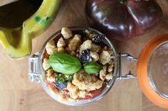 millefeuille tomates 1024x682 Millefeuille de tomates noires, crumble noisettes olives