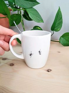 Ants on my coffee mug 🐜 My Coffee, Coffee Mugs, Contemporary Ceramics, Artist At Work, Ants, Jewelry Collection, Objects, Porcelain, Container