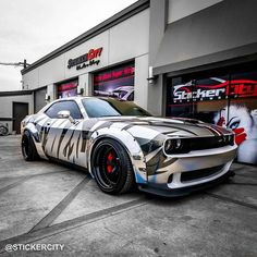 @salomondrin's Hellcat (Hellgato) looks too cool with that wrap from @stickercity #americanmusclehd #challenger #hellcat #mopar