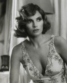 Raquel Welch, 1975