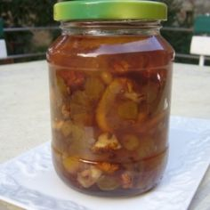 ACEASTA RETETA SECRETA vindeca tot organismul. Iata cat de usor se prepara Cucumber, Natural Remedies, Pickles, Jar, Healthy, Recipes, Food, Medicine, The Secret