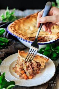 Old fashioned corned beef pie is a British comfort food dinner that your whole family will love. Potatoes, carrots, celery, and garlic flavor this old-fashioned meat pie made with homemade shortcrust pastry.Get the recipe here! Corned Beef Pie, Beef Pies, Corned Beef Recipes, Ground Beef Recipes, Meat Pie Recipes, Beef Meals, Beef And Potatoes, Good Food, Yummy Food