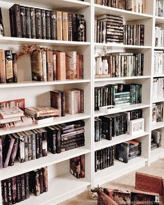New music room library heavens Ideas Home Library Design, Dream Library, House Design, Home Libraries, Book Nooks, House Goals, Cozy House, Bookshelves, Bookcase