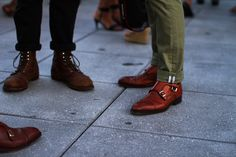 Double monks for the win Sock Shoes, Men's Shoes, Dress Shoes, Mens Fashion Blog, Latest Mens Fashion, Double Monk Strap, Preppy Men, Monk Strap Shoes, Mens Style Guide