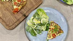 Wanneer de restjes op moeten: Italiaanse 'frittata' met een heerlijk verse salade | RTL Nieuws Frittata, Omelet, Avocado Toast, Breakfast, Food, Camping, Omelette, Morning Coffee, Campsite