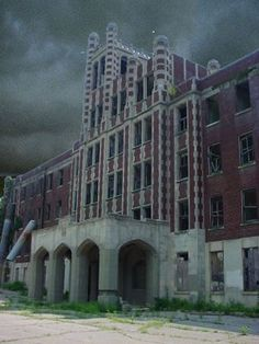 """haunted """"Waverly Hills is the place where ghostly sightings are almost a daily occurence."""" ~Zac - Ghost Adventures~ Many paranormal investigators claim that the most haunted hospital worldwide is the Waverly Hills Sanatorium. Abandoned Asylums, Abandoned Buildings, Abandoned Places, Haunted Asylums, Derelict Places, Waverly Hills Sanatorium, Places In America, Places Around The World, Around The Worlds"""