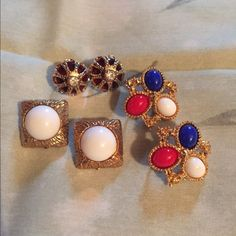 Vintage clip earrings These are vintage clip on earrings by Sarah Coventry. They are beautiful & in terrific condition Sarah Coventry Jewelry Earrings