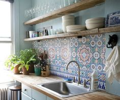 37 Creative And Innovative Kitchen Backsplash Decor Ideas. So you've seen a terrific-looking kitchen backsplash in a home and garden magazine and fallen in love. Or your next-door neighbor just . Kitchen Tiles, New Kitchen, Kitchen Interior, Kitchen Dining, Kitchen Decor, Kitchen Shelves, Morrocan Tiles Kitchen, Boho Kitchen, Rustic Kitchen
