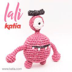Washi, Free Crochet, Crochet Hats, Halloween, Yarn Inspiration, Xmas, Christmas Ornaments, Lets Celebrate, Monster