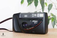 Nikon RF2  Vintage Compact 35mm  Appareil Photo Argentique