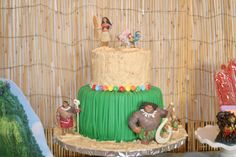 A place to share some of my mom adventures & my wish to help kids fall in love with reading! Homemade Fondant, Homemade Cakes, Moana Party Decorations, Grass Skirt, 2nd Birthday, Parties, Party Ideas, Kids, Homemade Muffins