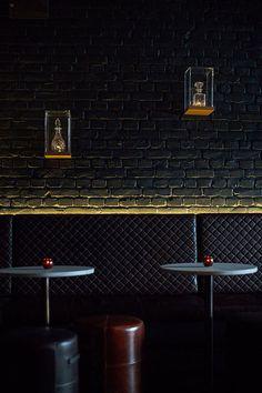 Bar Wandgestaltung Ziegelstein Schwarz