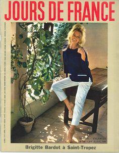 Brigitte Bardot à St-Tropez - Jours de France n°506, 25 juillet 1964
