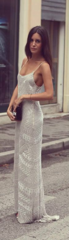 Beautiful dress. Got an old-time feel to it.