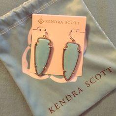 Kendra Scott earrings! Brand new never been used!! Kendra Scott Jewelry Earrings