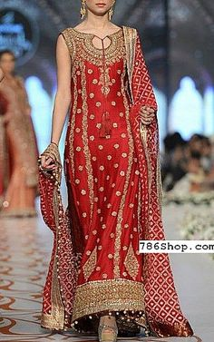Buy Pakistani Designer Party Dresses online shopping from our collection of Indian Pakistani fancy Party wear fashion suits for USA, UK, Canada, Australia. Pakistani Couture, Pakistani Bridal Dresses, Pakistani Outfits, Indian Dresses, Indian Outfits, Pakistani Lehenga, Sabyasachi, Designer Party Dresses, Party Wear Dresses