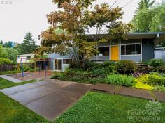 What is it about Portland, Oregon? The city seems to have an unusually large stock of amazing time capsule homes of every style — from amazing 1938 tudors to sleek streamline moderne to compact and friendly midcentury modern gems like the one today. This recent find — sent to us by reader Cheryl — is a 1960 …