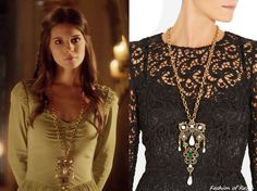 In the eighteenth episode Kenna wears this sold out Oscar de la Renta Gold-Plated Crystal Necklace. Body Necklace, Crystal Necklace, Kenna Reign, Reign Tv Show, Reign Fashion, The Cw Shows, Fandom Outfits, Renaissance Fashion, Cape Dress