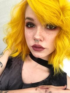 Cabelo amarelo 🦄 hairstyles dyed hair, gorgeous hair, hair s Scene Hair, Pretty Hairstyles, Girl Hairstyles, Simple Hairstyles, Pelo Multicolor, Hair Color Blue, Hair Colors, Colored Hair, Yellow Hair Dye