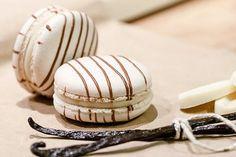 Macarons à la vanille / Vanilla macarons recipe (in French)